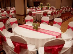 wedding-decorations-red-and-white-ideas